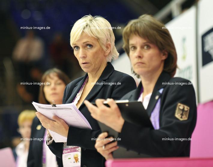 Women's ECh-Brussels 2012: judges with SALEWSKI-KRISCHOK Maike/GER